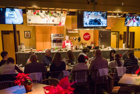 Holiday Groups, Luncheons, Dinner Parties & More...